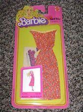 #2767 - BARBIE BEST BUY FASHIONS - (c) 78 w/booklet - Cotton red w/tiny print