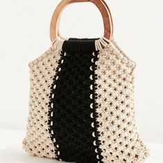 Urban Outfitters Wood Handle Stripe Macrame Tote Bag - Black One Size For many women, buying a genuine designer bag is not something to hurry straight into. Because these handbags can be so high priced, ladies sometimes agonize over their selections Macrame Bag, Macrame Knots, Macrame Mirror, Macrame Curtain, Mamma Mia, Minimalist Bag, Macrame Projects, Black Tote Bag, Knitted Bags