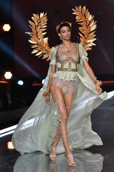 41 best Ideas fashion show ideas runway catwalks victoria secret Victoria Secret Angels, Show Victoria Secret, Vs Fashion Shows, Look Fashion, Trendy Fashion, Fashion Ideas, Fashion Quotes, Dress Fashion, Fashion Design
