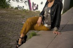my look http://depointeenblanc.com/2014/04/29/beautiful-trousers-for-a-chic-look/