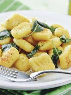 Kulki ryżowe - Przepis na Kulki ryżowe - Mojegotowanie.pl Cantaloupe, Potato Salad, Pizza, Potatoes, Fruit, Ethnic Recipes, Food, Potato, Essen