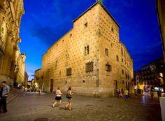 7 Visitas imprescindibles en Salamanca http://www.topviajar.org/2015/04/7-visitas-imprenscindibles-salamanca.html