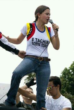 """Twitter / CNN_Venezuela: Esta tiene más """"BOLAS"""" que toda la GN junta. Maria Corina.."""