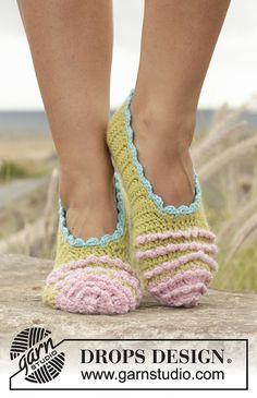 Irina Ballerina Slippers By DROPS design - Free Crochet Pattern - (ravelry)