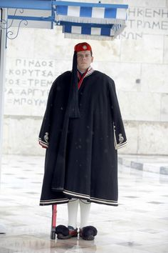 Evzone at the Tomb of the Unknown Soldier, Athens, Greece Attica Greece, Athens Greece, Folk Clothing, Greek Clothing, Zorba The Greek, Greek Warrior, Unknown Soldier, Costumes Around The World, Winter Photos