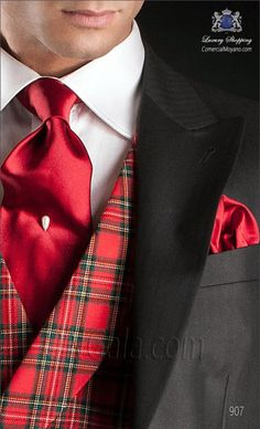 Wedding Suits Men Plaid Groom Attire Ideas For 2019 Tartan Fabric, Tartan Plaid, Tartan Fashion, Mens Fashion, Tartan Christmas, Merry Christmas, Boho Wedding Dress Bohemian, Suit Shoes, Wedding Hairstyles With Veil