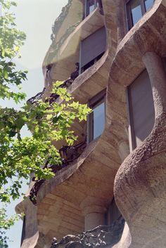 La Pedrera/ Casa Mila. 1905-10. Antoni Gaudi. Barcelona, Spain. Photo Addison Godel