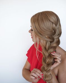 Having fun with these @luxyhair clip in extensions! So easy to use and create Pinterest-worthy long hairstyles. What tutorials would you like to see?