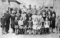 1937. Uczniowie Szkoły Polskiej na Oruni.  Zdjęcie z wystawy czasowej - Polacy Wolnego Miasta Gdańska 2