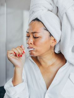 Brushing and flossing are important, but adding a mouthwash to your nightly routine can help too. Take a look at the eight best natural mouthwashes. Teeth Whiting At Home, Best Mouthwash, Perfect Teeth, Skin Gel, Teeth Bleaching, Stained Teeth, Natural Teeth Whitening, White Teeth, Dentistry