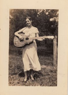Woman with guitar - Vintage photograph