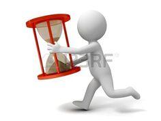 Personaje lleva apresurado un reloj de arena.