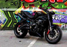 Ma Triumph /// Street Triple R 675 'full black racing' Street Scrambler, Triumph Street Triple, Cars And Motorcycles, Bike, Racing, Vintage, Black, Custom Motorcycles, Bicycle