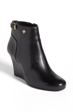 I wanted this last fall and I still want them for this fall so that's a good sign I should buy them :)