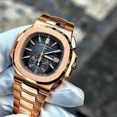 """640 Likes, 9 Comments - Rolex Watches Worldwide (@swiss_wrist) on Instagram: """"The stunningly beautiful Patek Philippe Nautilus in 18k Rose Gold. Would you wear it? curtesy of…"""""""
