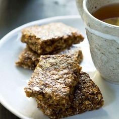 Recipe Crunchy muesli bars by Dani Valent, learn to make this recipe easily in your kitchen machine and discover other Thermomix recipes in Baking - sweet. Lunch Box Recipes, Snack Recipes, Lunchbox Ideas, Lunch Snacks, Healthy Snacks, Other Recipes, Sweet Recipes, Cake Pops, Deserts