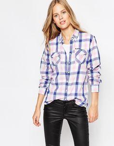 Oberteil von Pepe Jeans Reine Baumwolle breiter Kragen Knopfleiste Logostickerei lockerer Sitz Chemisch reinigen 100% Baumwolle Model trägt UK-Größe S/EU-Größe S/US-Größe XS