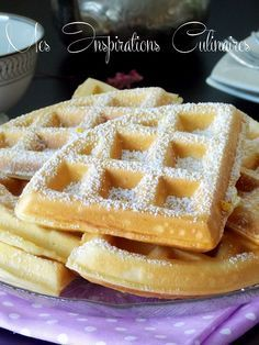 Fluffy and lightweight waffle recipe Waffle Recipes, My Recipes, Favorite Recipes, Breakfast Waffles, Pancakes And Waffles, Mini Desserts, Biscotti Biscuits, Slow Cooker Recipes, Cooking Recipes