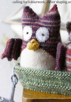 """Knitted Owl Toy ~ Free Pattern ( 3pages-flickr)  ( click """"link"""" in orange letters)"""
