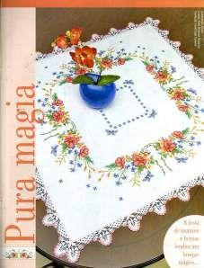 Linda toalha de mesa em Ponto Cruz