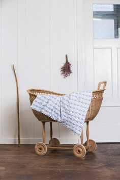 A couple months ago I received a sweet email from Julia Kreienbühl, a young mama and textile designer from Switzerland. She wrote to introduce me to her range of beautiful organic blankets and her online boutique, Little Indi.
