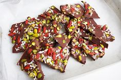 Healthy Raw Christmas Bark, The Perfect Holiday Treat! JSHealth