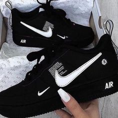 shoes nike airmax Sneaker Nett on Ins - Cute Sneakers, Sneakers Mode, Sneakers Fashion, Shoes Sneakers, Nike Air Max, Nike Shoes Air Force, Jordan Shoes Girls, Girls Shoes, Shoes Women