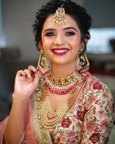 bridal jewelry for the radiant bride Indian Bridal Photos, Bridal Hairstyle Indian Wedding, Indian Bridal Outfits, Indian Bridal Makeup, Indian Bridal Fashion, Bridal Dresses, Bengali Wedding, Wedding Hairstyles, Wedding Photos