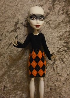 Top and skirt set for monster high dolls by moonsight68 on Etsy, $7.50