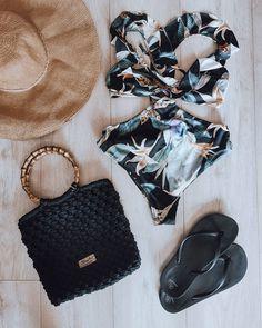 """Polubienia: 84, komentarze: 4 – Justyna Broźna I BOHO handmade (@bloomart.handmade) na Instagramie: """"☀️ Zestaw idealny na plażę? ☀️  A Ty co byś zabrała? 🦩🐳🌴 _______________________________…"""" Boho, Instagram, Bohemian, Bohemia"""