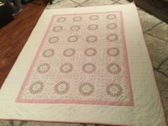 Vintage Handmade Embroidered Floral Quilt, Large size 76x98 | eBay Embroidered Quilts, Pink Flowers, Floral, Handmade, Ebay, Vintage, Color, Home Decor, Hand Made