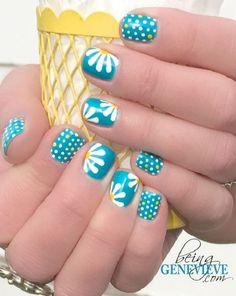 Polka dots and daisy petals nail art - 30  Adorable Polka Dots Nail Designs  <3 <3