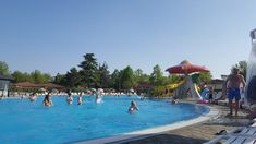 Want to to have chill days, cool pools, lakeside walks and awesome shows? Go to Camping Bella Italia!⠀ It's located in Peschiera del Garda and I highly recommend it! I went with some friends and we had a total blast! Budget Travel, Us Travel, Girls Love Travel, Travelling Tips, Cool Pools, World Traveler, Plan Your Trip, Hotel Reviews, Where To Go