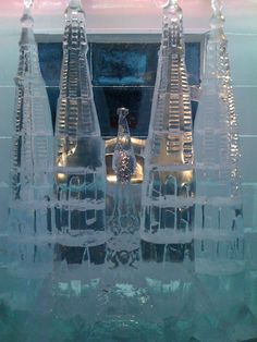 2008. For the first time, the Holy Family (La Sagrada Familia) has its representation made of ice #iceSculptures