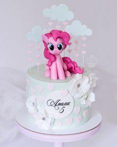 Fairy Birthday Cake, Barbie Birthday Cake, Birthday Cakes For Teens, Cumple My Little Pony, My Little Pony Cake, My Little Pony Birthday, Pinkie Pie Cake, Unicorn Cake Design, 25 Anniversary Cake