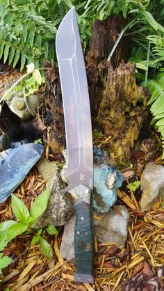 When an Emergency Strikes Disaster Survival Gear Saves Lives – Bulletproof Survival Types Of Knives, Knives And Tools, Knives And Swords, Survival Knife, Survival Gear, Bushcraft, Tactical Swords, Tactical Knives, Survival Equipment