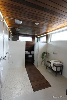 Bathroom ideas: Floor made of stones. Bathroom Toilets, Bathroom Renos, Bathroom Renovations, Home Renovation, Bathroom Ideas, Jacuzzi, Sauna Design, Sauna Room, Saunas