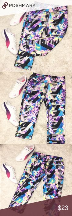 Like NEW! Fila Sport Running Leggings Size XS Like new Fila sport running leggings in a size extra small. Super trendy and comfortable leggings. Perfect for yoga, running or just going to the gym. Stylish and eye catching design. In great condition. Fila Pants Leggings