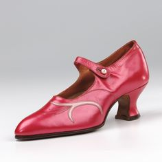 Bar Shoes: ca. 1900-1920, leather, buttoning over instep, suede grip in heel, covered Spanish heel. Northampton Museums & Art Gallery - I love these!