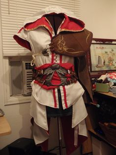 A gorgeous Assassin's Creed 2 costume.