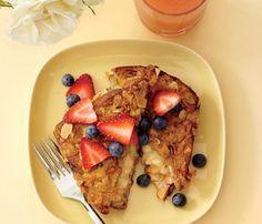 Low-Cal Breakfast: Cornflake-Crusted Banana-Stuffed French Toast #Under350Cals #SelfMagazine