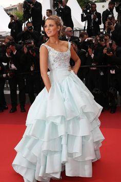 Blake Lively vestido Vivianne Westwood em Cannes / look de festa