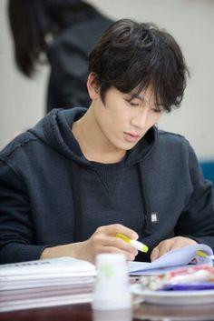 new drama for ji sung this year