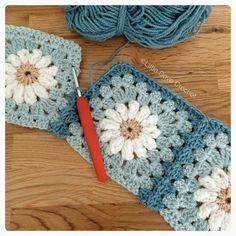 Granny Square Crochet Pattern, Crochet Squares, Crochet Blanket Patterns, Crochet Motif, Crochet Designs, Crochet Stitches, Crochet Baby, Free Crochet, Knitting Patterns