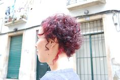 curly girl with red highlights   haircut by sabine & colour …   Flickr