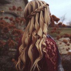 #FühldichwiepurerLuxus || das sieht so phantastisch aus. :) Markiere jemanden dem es auch gefallen könnte. #hair #styles #long #curly #black #tutorial #beach #short #updo #ombre #medium #blonde #brown #growth #extensions #bridal #color #cut #waves #dos #pastel #boho #summer #buns #cute #care #mask #thin #bows #DIY # #easy #dyed #braid #ideas #wedding #tips #natural #wavy #messy #vintage #prom © to @inspirehairstyles & @hairofstyles & @creative.braids