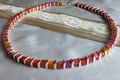 Würfelkette Keramik von Traumschmuck - Purpurrot    auf DaWanda.com