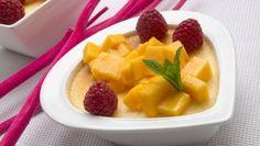 PUDIN   de coco y leche condensada decorado con mango y frambuesas- Chf. Eva Arguiñano