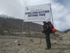 Hiking on the Snow Leopard's trails in the Hemis high altitude national park.