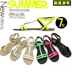 Летом новая мода флуоресцентные цвета специальных маленьких P, квартира с простых моделей плоские сандалии для женщин 35-40 - Taobao